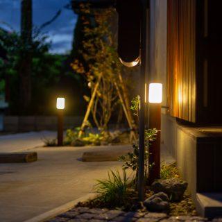 ポスト横にライトがあるので、灯りで夜にも郵便物が取り出しやすくなっています。